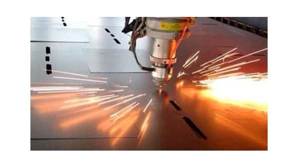 光纤激光切割机使用时要注意这几点