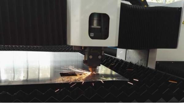 维护金属激光切割机,需要做到以下几点